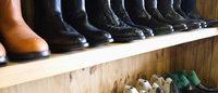El Corte Inglés calzará a los empleados de las cárceles por 2,12 millones