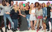 Prominente Stars feiern die Schwangerschaftskollektion von Ernsting's family