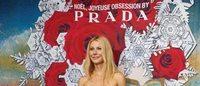Gwyneth Paltrow inaugura le vetrine Prada per il Natale 2013 di Printemps