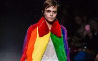Christopher Bailey dice addio a Burberry con una dichiarazione LGBTQ