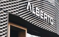 Alberto kleidet sein Concept Store neu ein