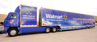 Wal-Mart resists investor pressure on independent chairman