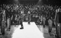 Esther Perbandt zeigt Fashion Show in der Volksbühne am Rosa-Luxemburg-Platz