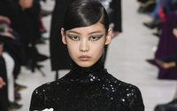 Pour dévoiler sa Couture, Valentino prépare un programme double au mois de juillet