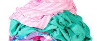 Riciclo di abiti: dai capi vecchi nascono le nuove collezioni