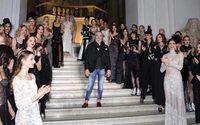 Rocco Barocco sfila nel Museo Archeologico di Napoli per il 50° della maison