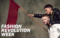 Fashion Revolution Week: Flashmob am Alexanderplatz