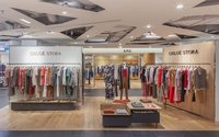 Chloé Stora avance en grands magasins