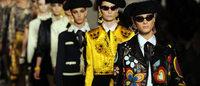 Moschino festeggia 30 anni con una collezione iconica
