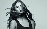 Who is Lancome's newest face Taylor Hill?