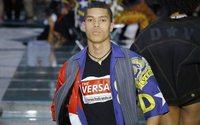 Donatella Versace : la réponse à American Crime Story sur le podium