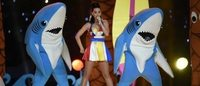 Katy Perry brilha de Jeremy Scott no Super Bowl