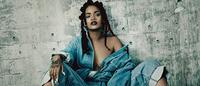 """Rihanna de """"look total denim"""" para edição especial da i-D"""