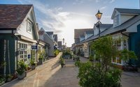 Bicester Village creates social distancing app to avoid queues