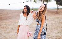 Hola!' ficha a 'youtubers' para un nuevo canal de moda y belleza