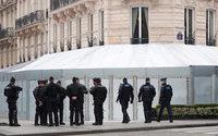 Gilets jaunes : tensions en région samedi, les Champs-Elysées épargnés
