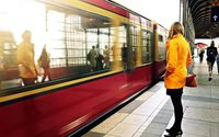 Rail commuters are key online shoppers says new study