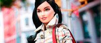Barbie veste roupas e bolsas Coach