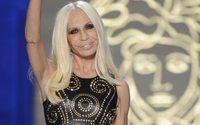 """Donatella Versace: """"In Italia nessuno ci voleva comprare"""""""