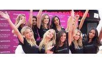 Victoria's Secret e suas novas Angels revelam o 1.º look do desfile 2015