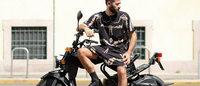Pitti Uomo 86: Marcelo Burlon debutta con il motocross