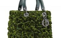 Dior donne carte blanche à onze femmes artistes pour revisiter le Lady Dior