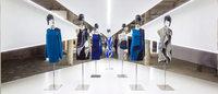 Prolongada exposição do designer de moda Felipe Baptista depois de 60 mil visitas