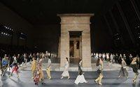 Chanel Métiers d'Art Defilesini Paris'e Geri Getiriyor