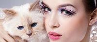 愛猫シュペットが主役 シュウウエムラとカールラガーフェルドのコスメ公開