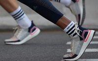 Выручка adidas в России и СНГ снизилась на 10% в евро