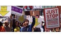"""Protestations contre l'utilisation d'un """"emblème sacré"""" par Roberto Cavalli"""