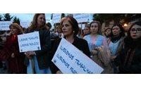 Duas centenas concentram-se em Loures em protesto contra fecho da Triumph