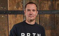 Burton Snowboards place John Lacy seul aux commandes