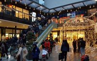 London Designer Outlet sees strong Xmas, Dropit debut attracts affluent shoppers
