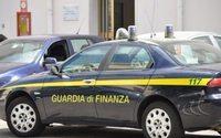 Sequestrati 13mila giubbotti contraffatti a frontiera nel Comasco