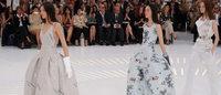 Raf Simons cria viagem no tempo em desfile da Dior em Paris