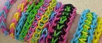 Les bracelets Rainbow Loom font un tabac en France