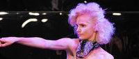 Gaultier hace bailar sus diseños en una fiesta de sábado noche