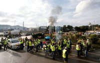 Black Friday misery for French shops as Macron and protesters lock horns