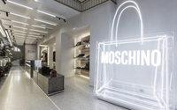 Moschino inaugure une nouvelle boutique à Paris