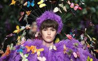Moschino sacude la Fashion Week de Milán con un show despampanante