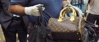 美国CBP查获产自中国的价值百万美元假冒LV和Gucci手袋