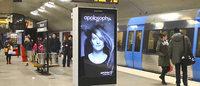 Marca de xampu instala painel interativo em metrô