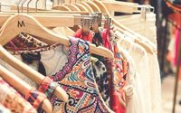 UK footfall slumps in June, shopping centres suffer