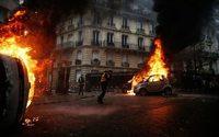 """""""Gilets jaunes"""" : journée de chaos dans les rues de Paris"""