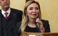 Silvia Damiani riceve l'onorificenza di Cavaliere dell'Ordine della Stella d'Italia