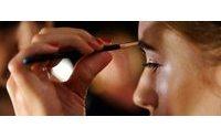 I segreti fashion contro l'afa: make up leggero e tessuti naturali