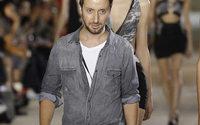 Vaccarello non sfilerà e si concentra solo su Yves Saint Laurent