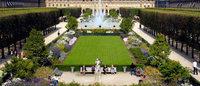 A Paris, les boutiques du Palais-Royal fêtent l'été