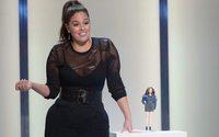 Mattel homenageia Ashley Graham com uma Barbie curvilínea